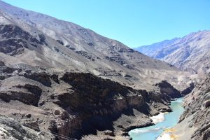 The mountain road to Zingchan, Ladakh.