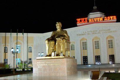 niazov gold statue ashgabt